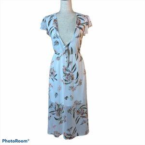 Pretty white floral peep dress. Like new. Size S